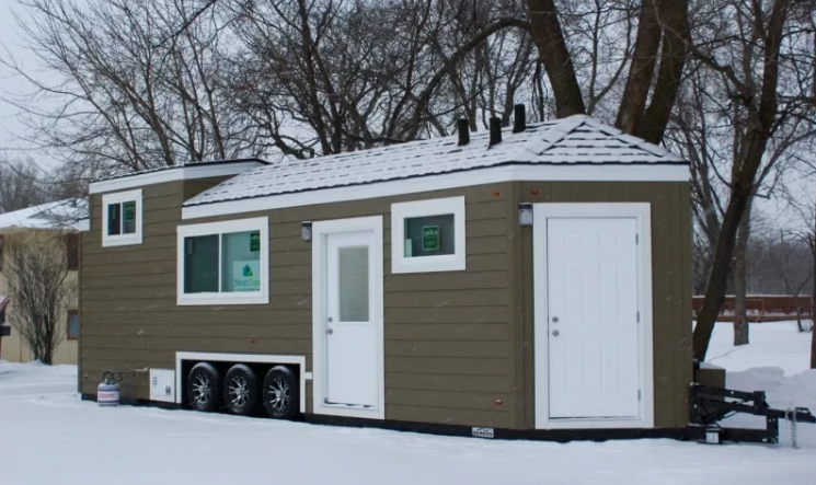 Lifting Your Tiny Home With a Crane: Six Things to Consider